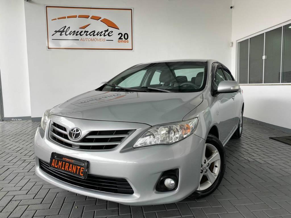 //www.autoline.com.br/carro/toyota/corolla-20-xei-16v-flex-4p-automatico/2012/blumenau-sc/13048840