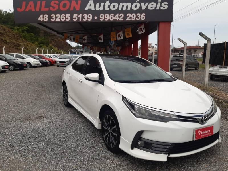 //www.autoline.com.br/carro/toyota/corolla-20-altis-16v-flex-4p-automatico/2018/sao-joao-batista-sc/13186294