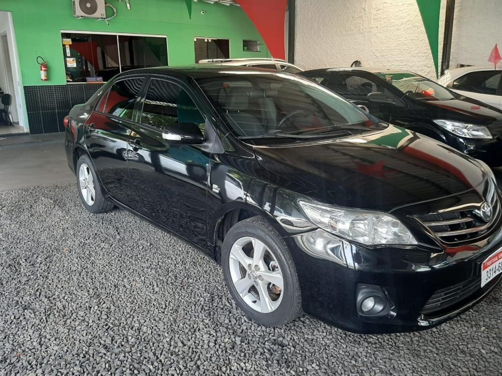 //www.autoline.com.br/carro/toyota/corolla-20-xei-16v-153cv-4p-flex-automatico/2013/uberaba-mg/13310872