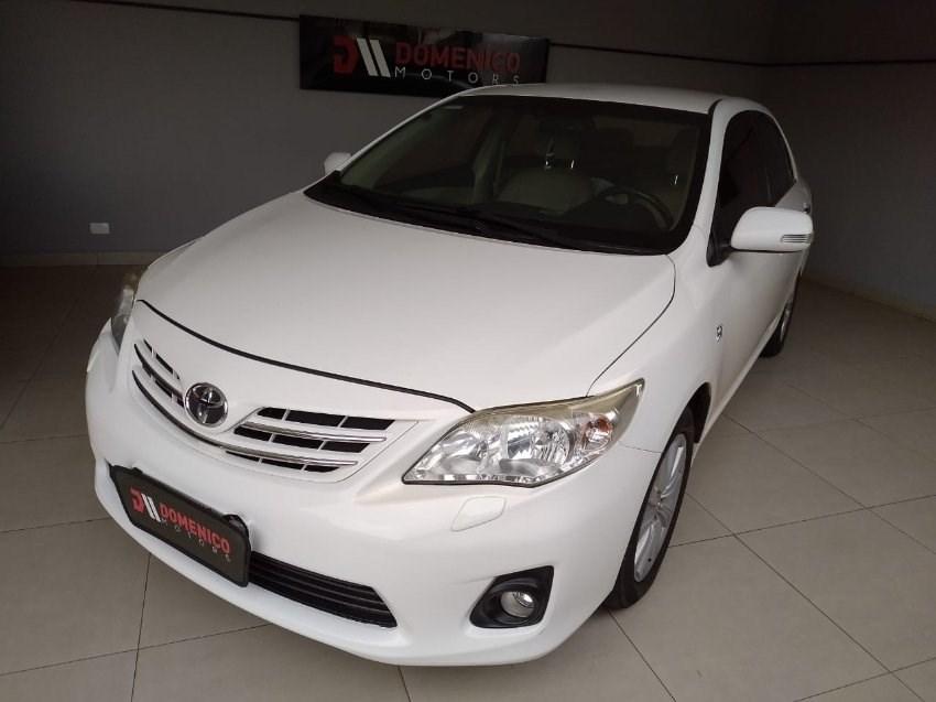//www.autoline.com.br/carro/toyota/corolla-20-altis-16v-flex-4p-automatico/2013/campo-grande-ms/13463514