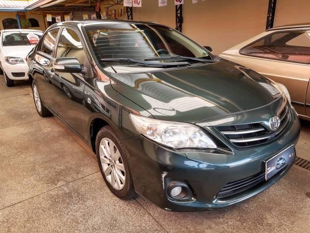 //www.autoline.com.br/carro/toyota/corolla-20-altis-16v-flex-4p-automatico/2013/mogi-guacu-sp/13489546