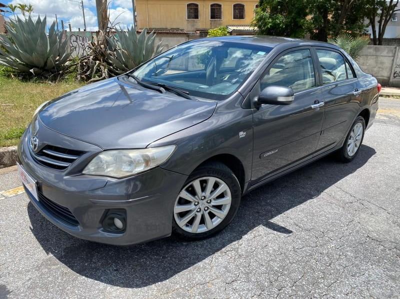 //www.autoline.com.br/carro/toyota/corolla-20-altis-16v-flex-4p-automatico/2013/belo-horizonte-mg/13809805