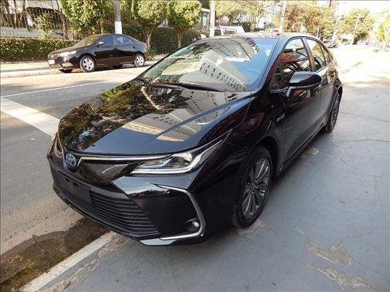 //www.autoline.com.br/carro/toyota/corolla-18-altis-premium-16v-flex-4p-automatico/2021/sao-paulo-sp/13928165