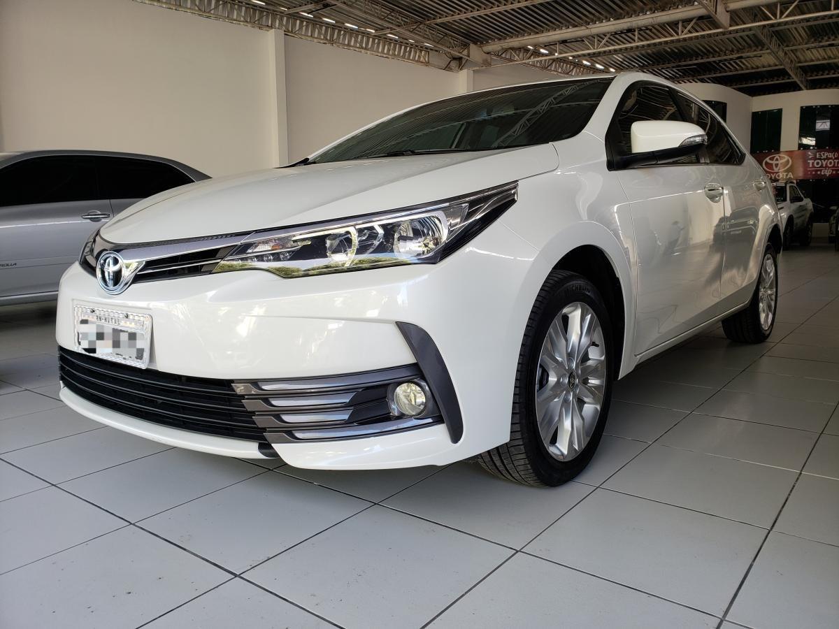 //www.autoline.com.br/carro/toyota/corolla-20-altis-16v-flex-4p-automatico/2018/natal-rn/13960130
