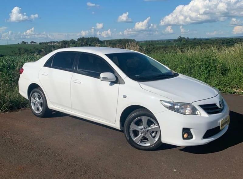 //www.autoline.com.br/carro/toyota/corolla-20-xei-16v-flex-4p-automatico/2014/tres-passos-rs/13985602