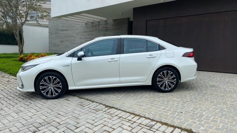 //www.autoline.com.br/carro/toyota/corolla-18-altis-hybrid-premium-16v-flex-4p-cvt/2020/curitiba-pr/14079939