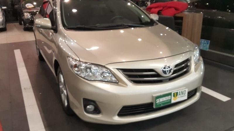 //www.autoline.com.br/carro/toyota/corolla-20-altis-16v-flex-4p-automatico/2014/sao-paulo-sp/14080084