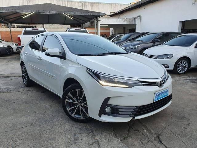 //www.autoline.com.br/carro/toyota/corolla-20-altis-16v-flex-4p-automatico/2018/colatina-es/14269141