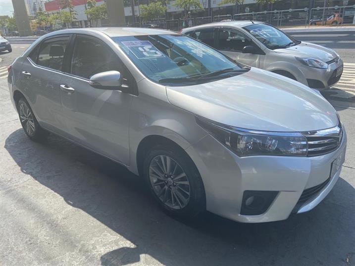 //www.autoline.com.br/carro/toyota/corolla-20-altis-16v-flex-4p-automatico/2015/sao-paulo-sp/14418521