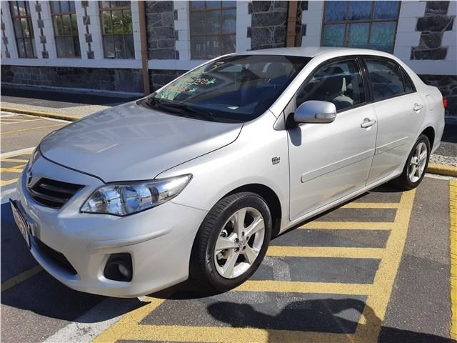 //www.autoline.com.br/carro/toyota/corolla-20-xei-16v-flex-4p-automatico/2013/rio-de-janeiro-rj/14442098