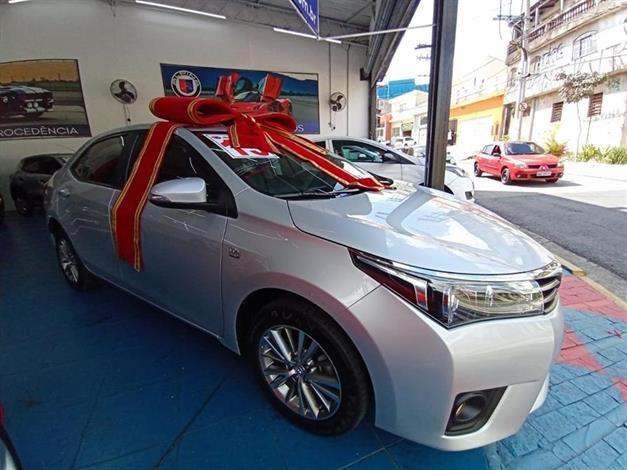 //www.autoline.com.br/carro/toyota/corolla-20-xei-16v-flex-4p-automatico/2015/sao-paulo-sp/14570120