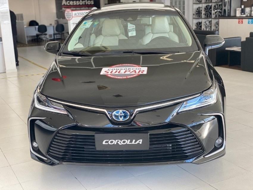 //www.autoline.com.br/carro/toyota/corolla-18-altis-premium-hybrid-16v-flex-4p-cvt/2022/curitiba-pr/15051958