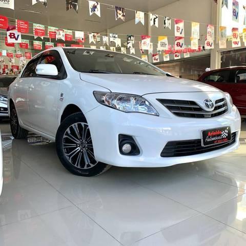 //www.autoline.com.br/carro/toyota/corolla-20-xei-16v-flex-4p-automatico/2014/ituporanga-sc/15080485
