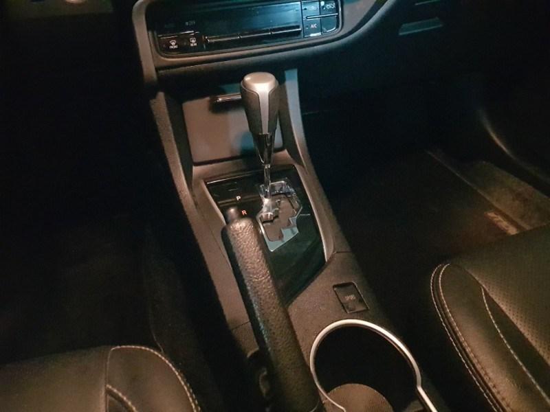 //www.autoline.com.br/carro/toyota/corolla-20-xrs-16v-flex-4p-automatico/2018/salvador-ba/15080616