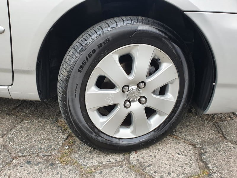 //www.autoline.com.br/carro/toyota/corolla-18-xei-16v-flex-4p-automatico/2008/curitiba-pr/15191929