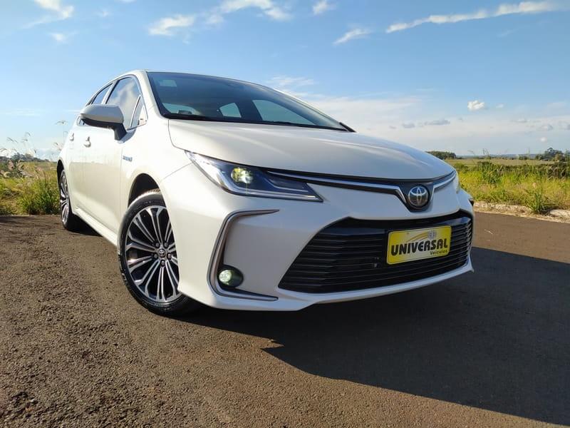 //www.autoline.com.br/carro/toyota/corolla-18-altis-premium-hybrid-16v-flex-4p-cvt/2020/tres-passos-rs/15204311