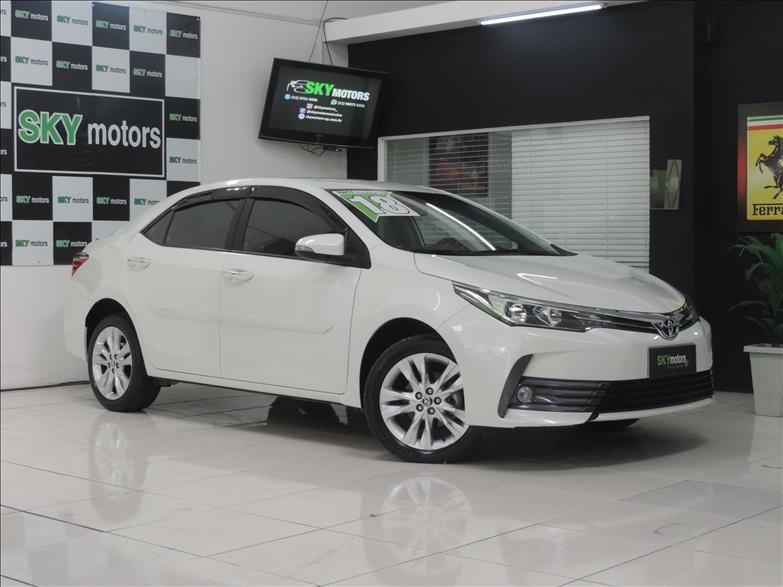 //www.autoline.com.br/carro/toyota/corolla-20-xei-16v-flex-4p-automatico/2018/sao-paulo-sp/15271002