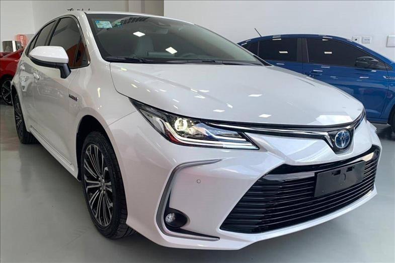 //www.autoline.com.br/carro/toyota/corolla-18-altis-premium-hybrid-16v-flex-4p-cvt/2022/osasco-sp/15386713