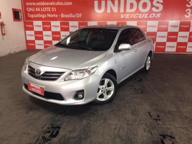 //www.autoline.com.br/carro/toyota/corolla-18-gli-16v-flex-4p-automatico/2013/brasilia-df/9854742