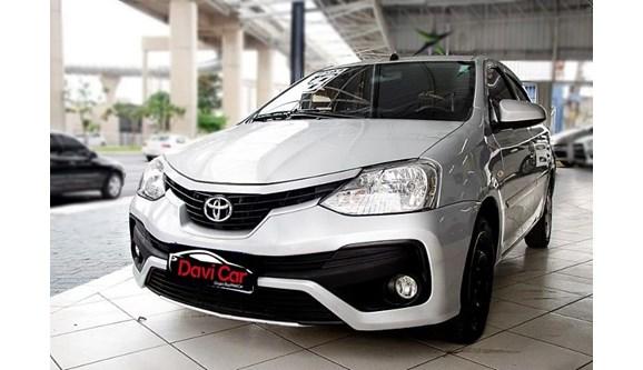 //www.autoline.com.br/carro/toyota/etios-15-xs-16v-flex-4p-automatico/2018/sao-paulo-sp/11318389