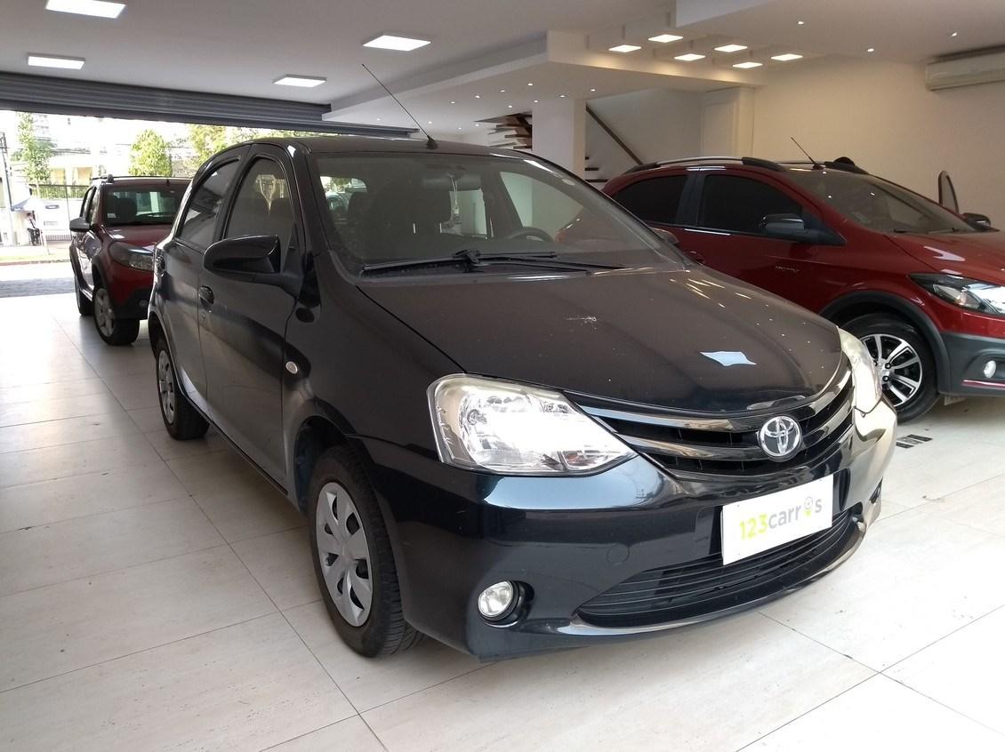//www.autoline.com.br/carro/toyota/etios-15-xs-16v-flex-4p-manual/2014/sao-paulo-sp/12325799
