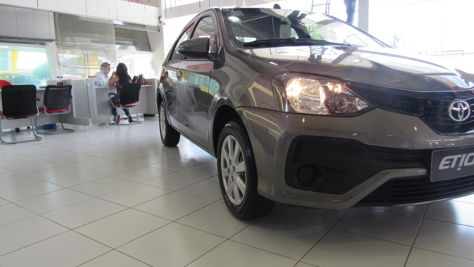 //www.autoline.com.br/carro/toyota/etios-15-x-16v-sedan-flex-4p-manual/2020/brasilia-df/12330394