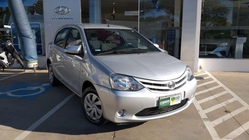 //www.autoline.com.br/carro/toyota/etios-15-xs-16v-flex-4p-manual/2014/sao-paulo-sp/12380176