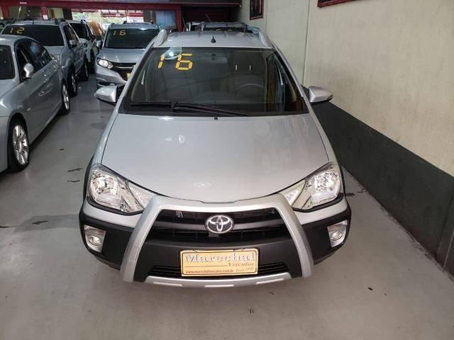 //www.autoline.com.br/carro/toyota/etios-15-cross-16v-flex-4p-manual/2016/niteroi-rj/12401510