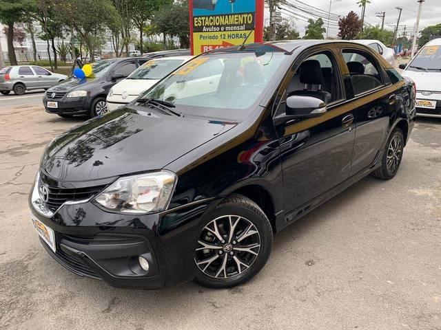 //www.autoline.com.br/carro/toyota/etios-15-platinum-16v-sedan-flex-4p-automatico/2018/sao-paulo-sp/12424855