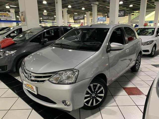 //www.autoline.com.br/carro/toyota/etios-15-platinum-16v-flex-4p-manual/2014/sao-paulo-sp/12710519