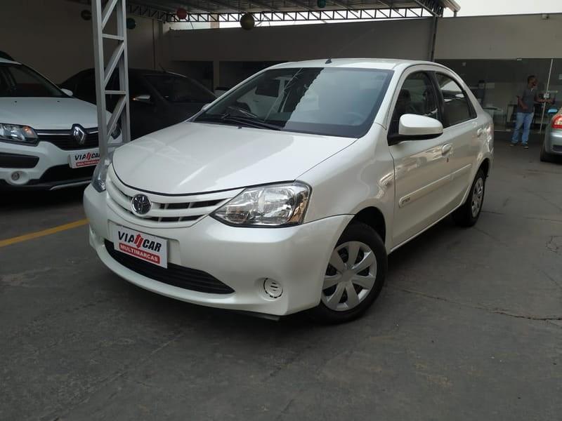 //www.autoline.com.br/carro/toyota/etios-15-xs-16v-flex-4p-manual/2015/cuiaba-mt/12855214