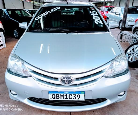 //www.autoline.com.br/carro/toyota/etios-15-xs-16v-flex-4p-manual/2015/arapongas-pr/12856309