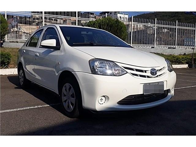 //www.autoline.com.br/carro/toyota/etios-15-x-16v-sedan-flex-4p-manual/2015/rio-de-janeiro-rj/12915850