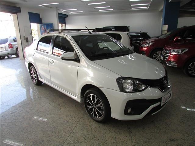 //www.autoline.com.br/carro/toyota/etios-15-platinum-16v-sedan-flex-4p-automatico/2019/rio-de-janeiro-rj/12985528