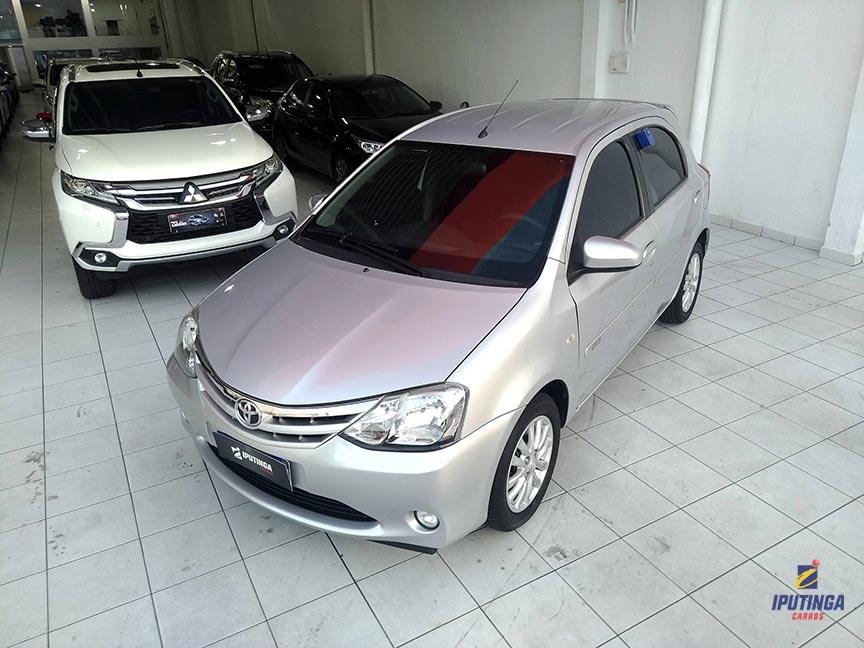 //www.autoline.com.br/carro/toyota/etios-15-xls-16v-flex-4p-manual/2014/recife-pe/13038106