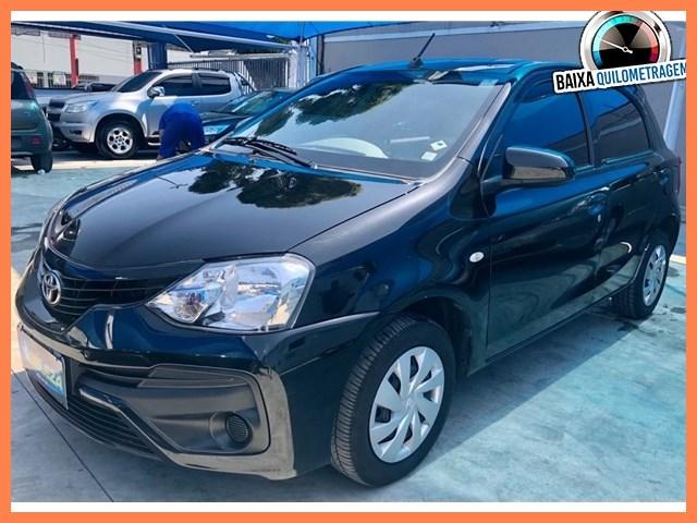 //www.autoline.com.br/carro/toyota/etios-15-xs-16v-flex-4p-automatico/2018/rio-de-janeiro-rj/13261731
