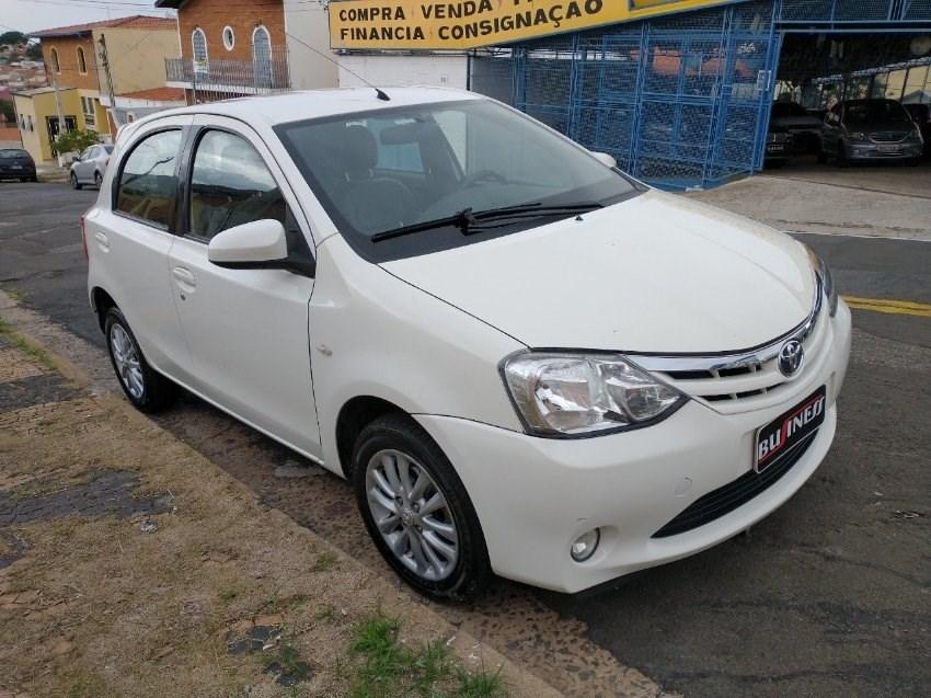 //www.autoline.com.br/carro/toyota/etios-15-xls-16v-flex-4p-manual/2014/campinas-sp/13310693