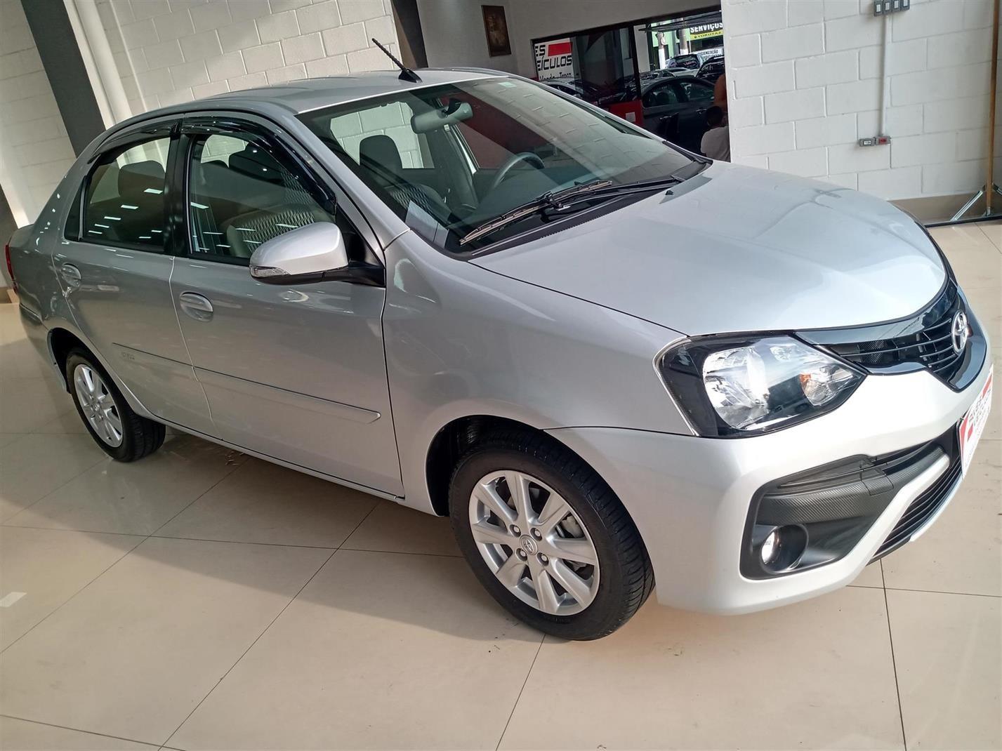 //www.autoline.com.br/carro/toyota/etios-15-x-plus-16v-sedan-flex-4p-automatico/2019/sao-paulo-sp/13353081