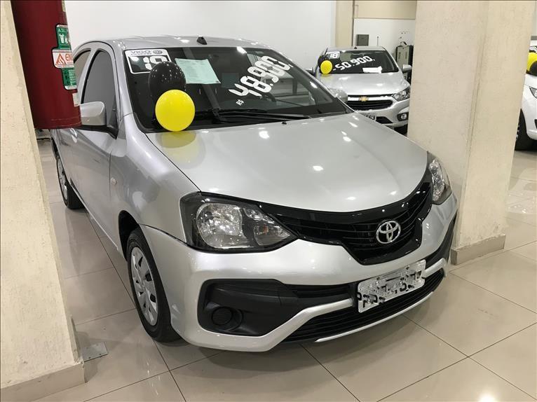//www.autoline.com.br/carro/toyota/etios-13-x-16v-flex-4p-automatico/2019/sao-paulo-sp/13361047