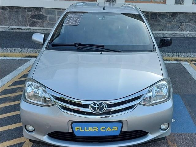 //www.autoline.com.br/carro/toyota/etios-15-xls-16v-flex-4p-manual/2013/rio-de-janeiro-rj/13368891