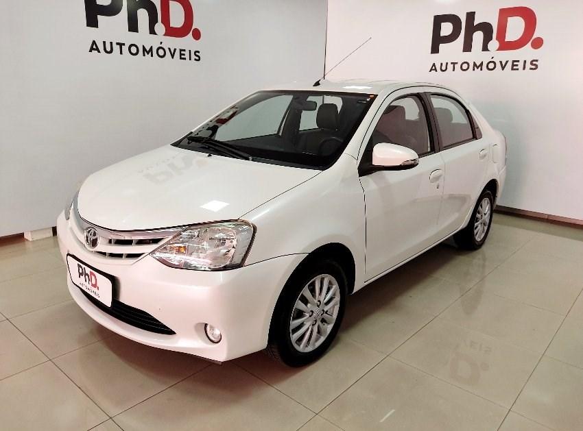 //www.autoline.com.br/carro/toyota/etios-15-xls-16v-sedan-flex-4p-manual/2015/brasilia-df/13440092