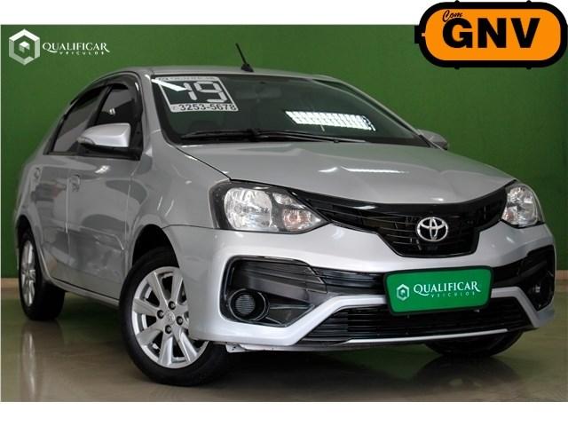 //www.autoline.com.br/carro/toyota/etios-15-x-plus-16v-sedan-flex-4p-automatico/2019/rio-de-janeiro-rj/13501535