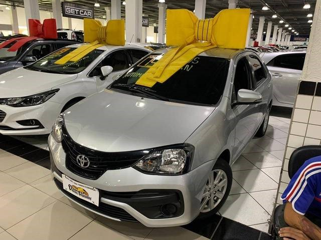 //www.autoline.com.br/carro/toyota/etios-15-x-plus-16v-sedan-flex-4p-automatico/2019/sao-paulo-sp/13511414