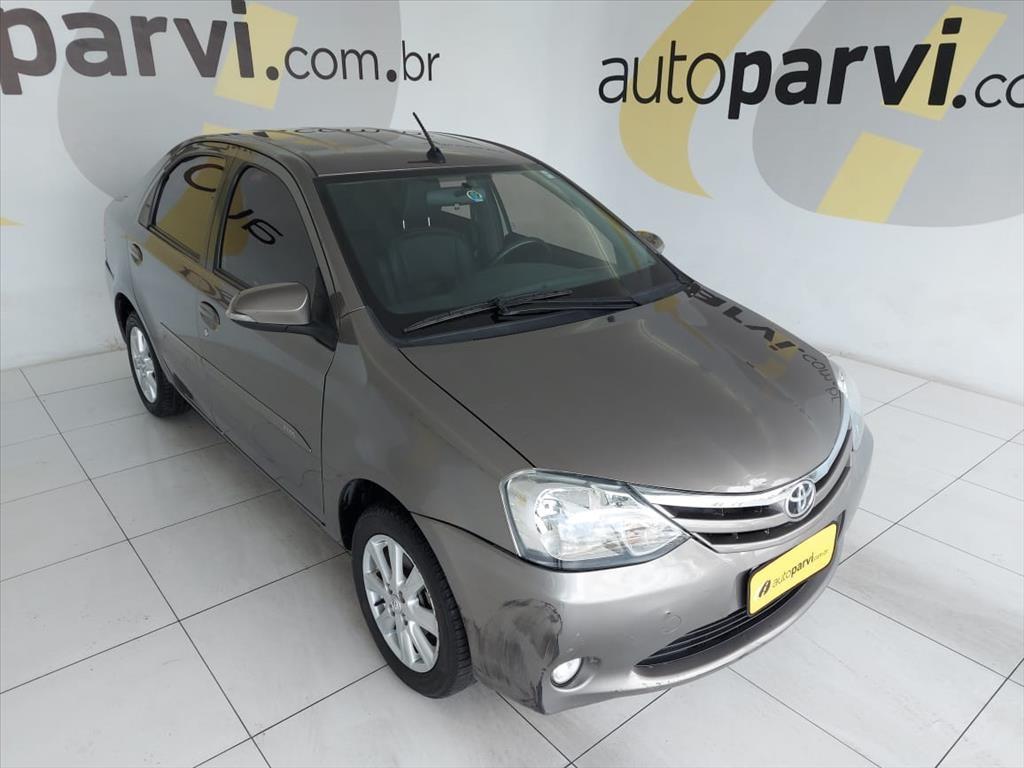 //www.autoline.com.br/carro/toyota/etios-15-xls-16v-sedan-flex-4p-manual/2017/olinda-pe/13528359