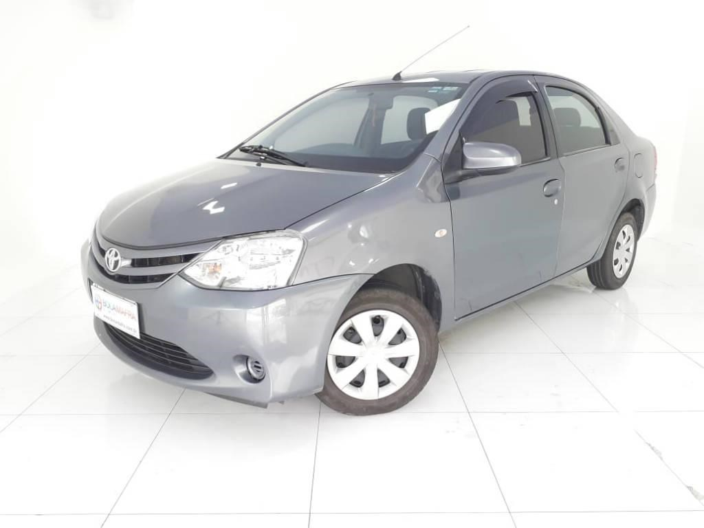 //www.autoline.com.br/carro/toyota/etios-15-xs-16v-sedan-flex-4p-manual/2015/brusque-sc/13578891