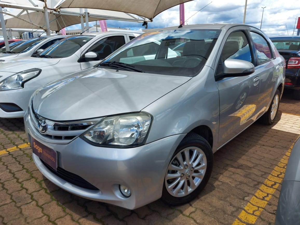 //www.autoline.com.br/carro/toyota/etios-15-xls-16v-sedan-flex-4p-manual/2015/brasilia-df/13650094