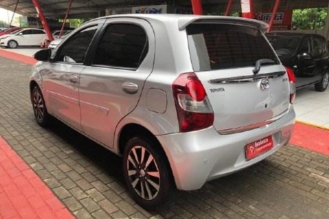//www.autoline.com.br/carro/toyota/etios-15-hatch-platinum-16v-flex-4p-manual/2015/teresina-pi/13690233