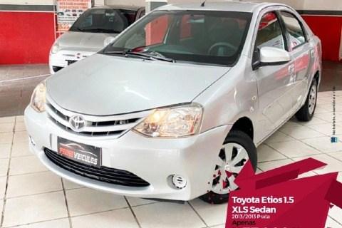 //www.autoline.com.br/carro/toyota/etios-15-sedan-xls-16v-flex-4p-manual/2013/manaus-am/13886965