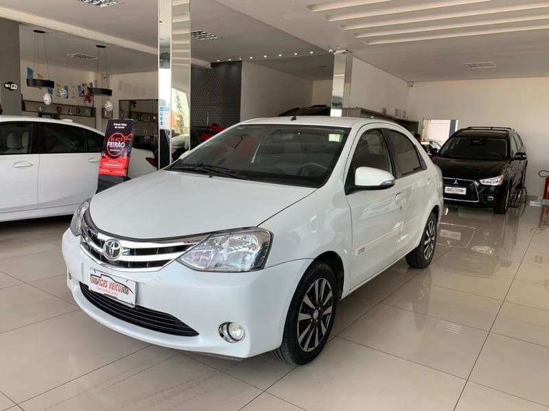 //www.autoline.com.br/carro/toyota/etios-15-platinum-16v-sedan-flex-4p-manual/2016/cuiaba-mt/13935261