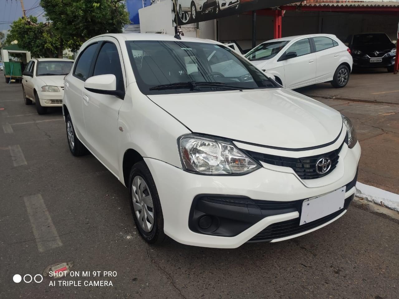//www.autoline.com.br/carro/toyota/etios-15-xs-16v-flex-4p-manual/2018/cuiaba-mt/14015505